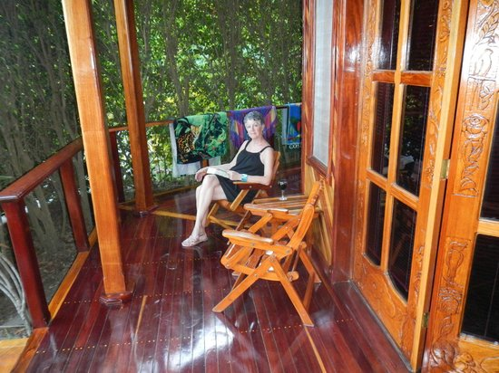 Tambor Tropical Beach Resort:                                                       Relaxing veranda