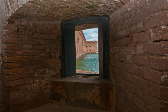 Dry Tortugas National Park: Window with a view, gun position?
