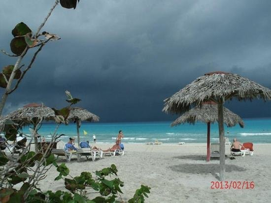 Hotel Club Tropical:                                     Big storm coming in.