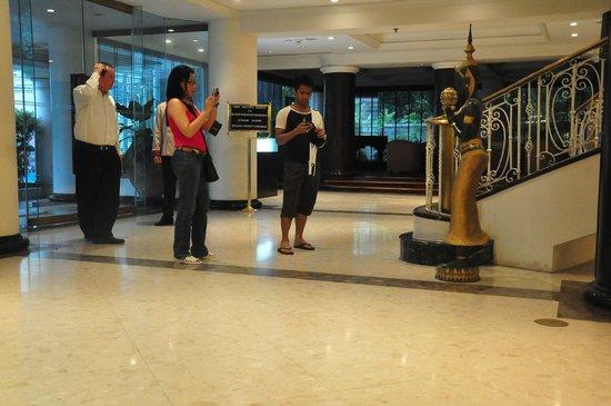 เพรสซิเดนท์โซลิแทร์:                   grand lobby