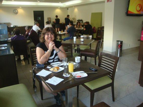 LQ Hotel by La Quinta Cancun:                   Desayunados y comedor