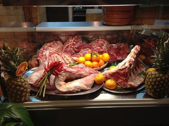 Le Scalette:                   Carne Manzo-Danese ed Abbacchio Fresco