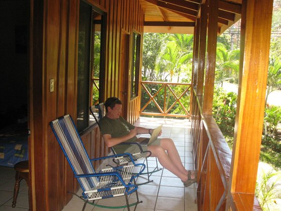 H&B Lodge and Restaurant:                                     Veranda