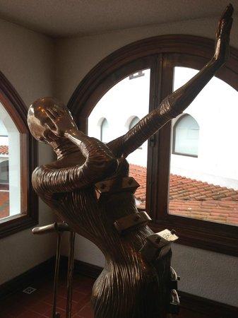 Museo Ralli:                                     Dali sculpture