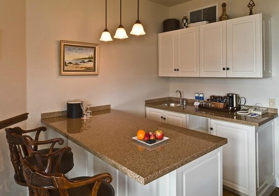 Hotel Bellwether: Lighthouse Suite Kitchenette