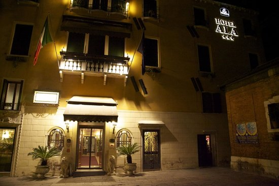 Hotel Ala - Historical Places of Italy:                   Outside of Hotel