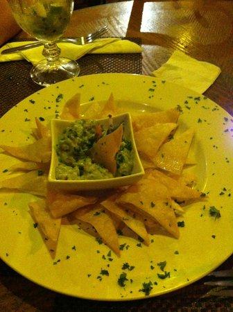El Refugio Grill :                   Guacamole et chips