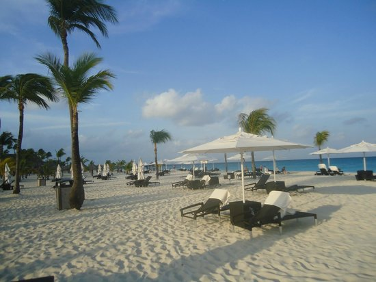 Bucuti & Tara Beach Resort Aruba:                   view of beach