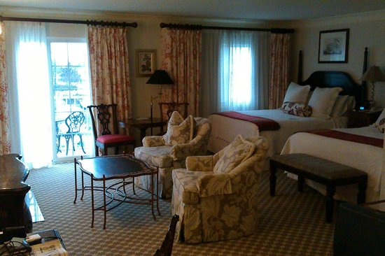 Saybrook Point Inn & Spa:                                     Second floor room. Very comfy.