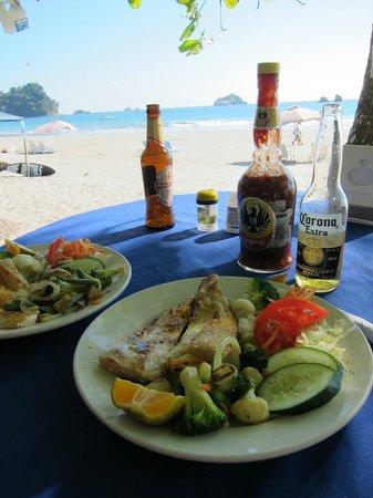 Balu's Beach Bar:                                     Mahi Mahi platter