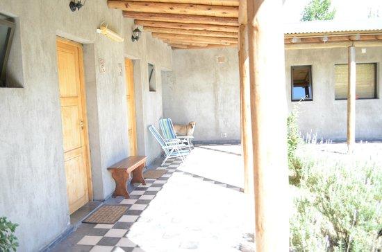 TikayKilla Lodge & Wines:                   Pasillo de acceso a las habitaciones