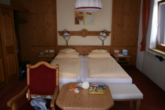 Scharlers Boutique Hotel:                   Double bed