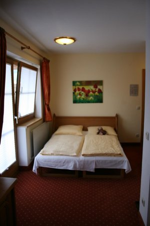 Scharlers Boutique Hotel:                   Double bed for the kids