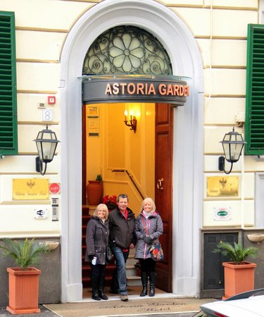 Astoria Garden:                   Entrance to Hotel