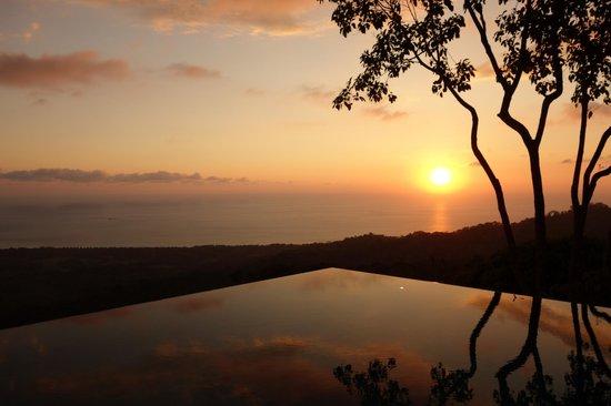Kura Design Villas Uvita :                                     sunset by pool
