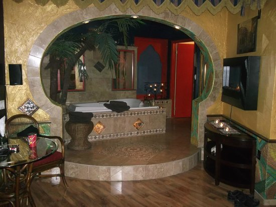 Mariaggi's Theme Suite Hotel & Spa:                   Moroccan Style Decor