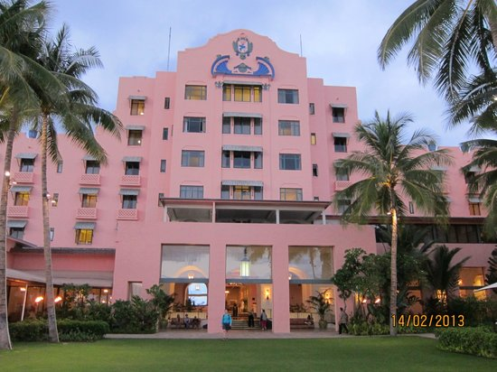The Royal Hawaiian, a Luxury Collection Resort: view from the lawn