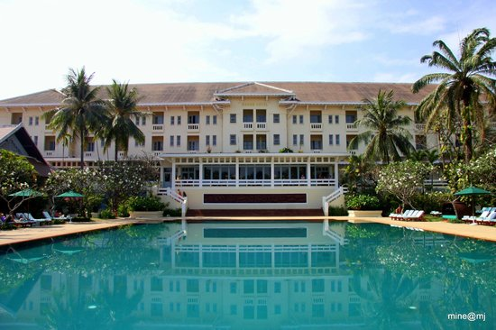 Raffles Grand Hotel d'Angkor:                   Facing Hotel from Pool area.