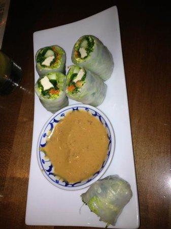 Teton Thai:                   Salad rolls