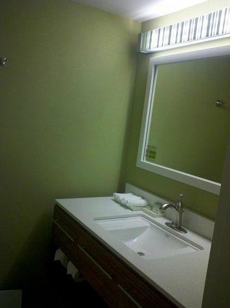 Home2 Suites by Hilton Nashville Vanderbilt:                   Bathroom Sink