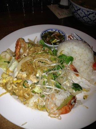 Teton Thai:                   Pad Woon Sen