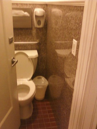 The Mosser: tight fitting toilet
