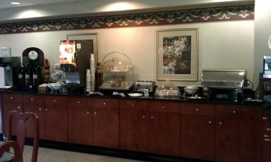 Best Western Plus Belle Meade Inn & Suites :                   spacious breakfast area