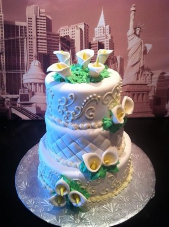 Europe Bakery and Delicatessen :                   wedding cake
