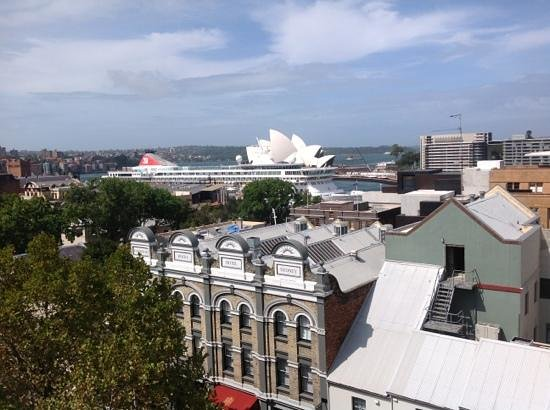 Rendezvous Hotel Sydney The Rocks: View from room 609 with small cruise ship in port.