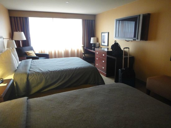 Silver Cloud Hotel - Seattle Stadium:                   Spacious two queen room