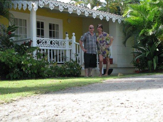 رنديفوه - شامل جميع الخدمات - للأزواج فقط:                   our ocean front cottage                 
