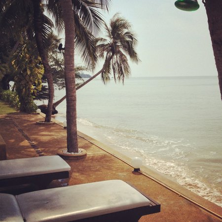 Weekender VIlla Beach Resort:                   View from the poolside