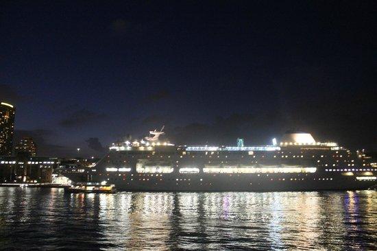 Altamont Hotel Sydney - by 8Hotels:                   Sydney Harbor