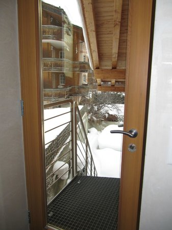 Coeur des Alpes:                   Door to backyard
