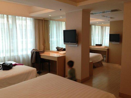 Hotel Benito:                   Room