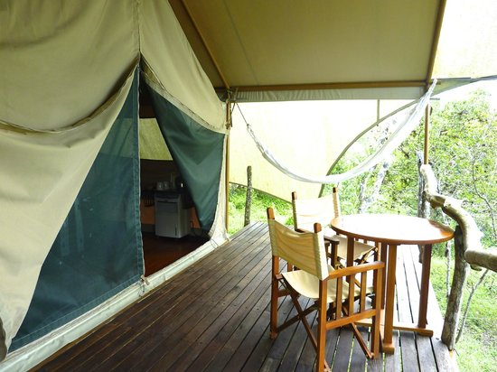 Galapagos Safari Camp: Front of tent, private area surrounded by nature.