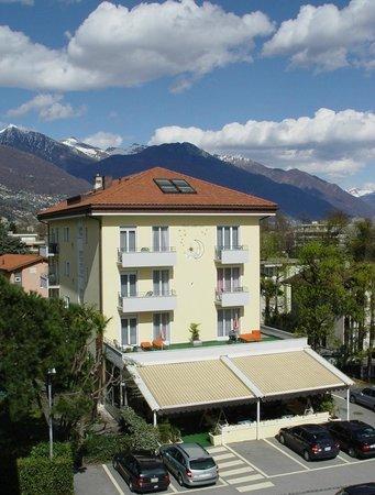 Hotel Luna building view