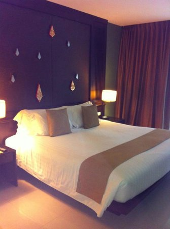 Centara Anda Dhevi Resort and Spa: King Bed