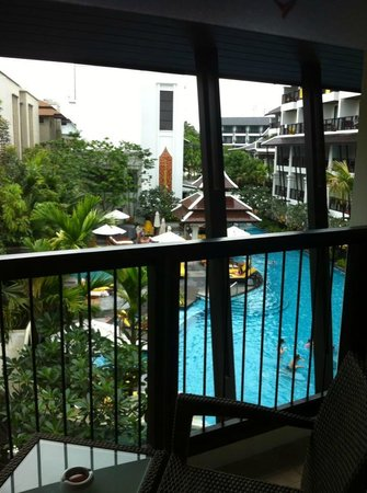 Centara Anda Dhevi Resort and Spa: Balcony facing the pool