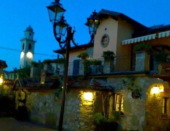 Carrosio, Italija:                   estate 2012