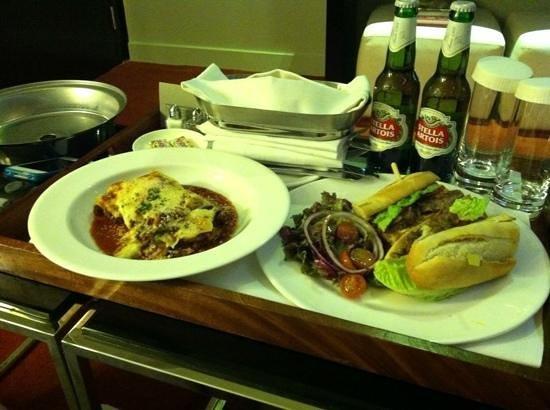 โรงแรมพาร์ค พลาซ่า เวสต์มินสเตอร์บริจด์ ลอนดอน:                   room service deliciousness
