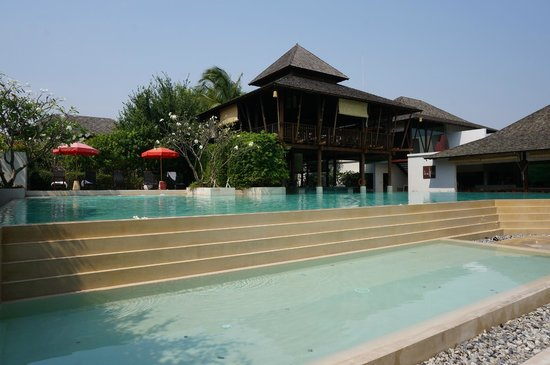 Yaiya Hua Hin:                   Pool side