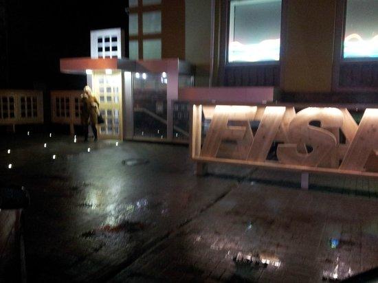 Fish Cafe:                   Main entrance
