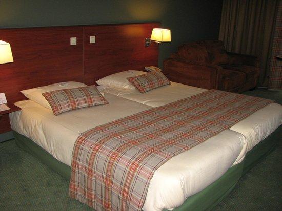 Golden Tulip Hotel Zevenbergen:                   groot bed