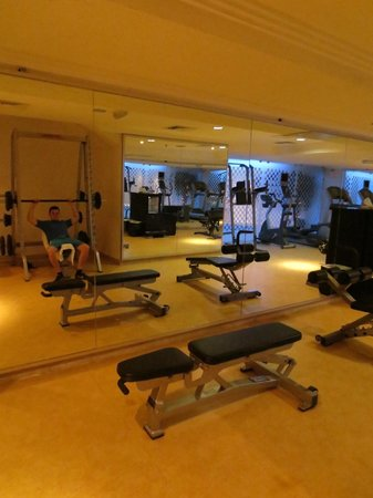 Mirage Suites: The gym was well equipped with everything you might need for a quick session