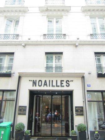 Golden Tulip Opera De Noailles :                   Entrée Hôtel