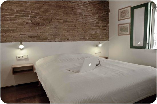 Barceloneta Suites : Double-bed