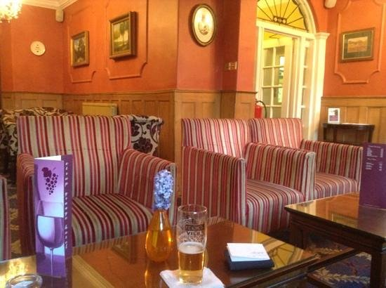 Etrop Grange: relaxing lounge