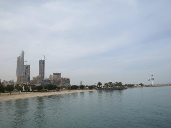 Kuwait Towers: The view of Kuwait City, beginning of February