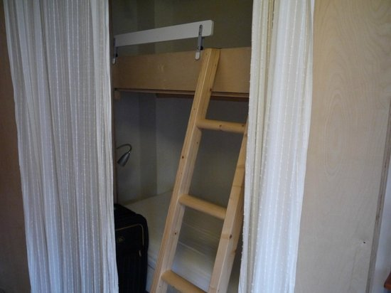 B&B Jordaan:                                                       bunkbeds if needed (with wardrobe)